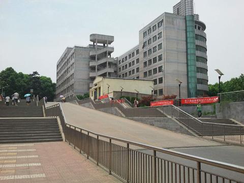 南信大14-204李女士家暗管暖气片施工案例